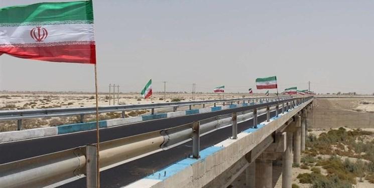 ورود و خروج مسافر از مرزهای میرجاوه و ریمدان ممنوع شد/کامیون پاکستانی وارد ایران نمیشود